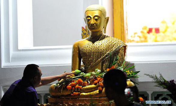 Phật tử nhiều nước thành kính tưởng niệm ngày Phật Đản - Ảnh 2.