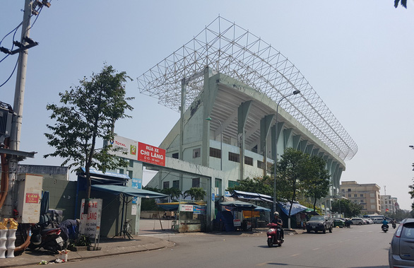 Thỏa thuận thi hành án với các ngân hàng giữ lại sân vận động Chi Lăng - Ảnh 1.