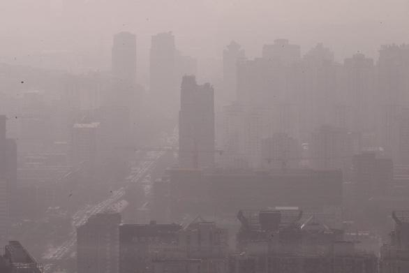 Bi hài chiêu che giấu ô nhiễm của quan chức Trung Quốc - Ảnh 1.