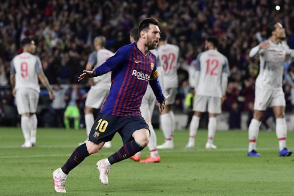 Messi búng tay, lữ đoàn đỏ sụp đổ - Ảnh 1.