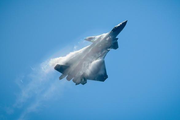 Máy bay tàng hình Trung Quốc sẵn sàng tác chiến trong năm nay? - Ảnh 1.