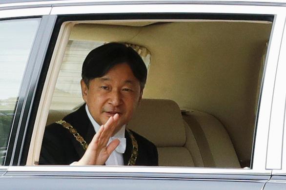 Nhật hoàng Naruhito và những điều đầu tiên - Ảnh 1.