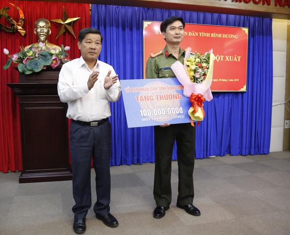 Nhân viên khách sạn được khen thưởng vì báo tin vụ thi thể trong bêtông - Ảnh 1.