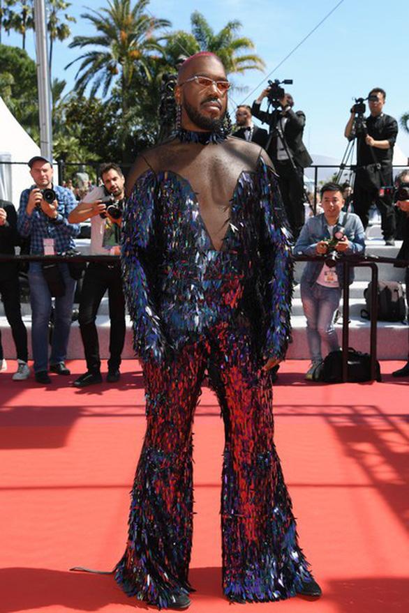 Ngọc Trinh bị truyền thông nước ngoài chỉ trích lố lăng tại Cannes - Ảnh 7.