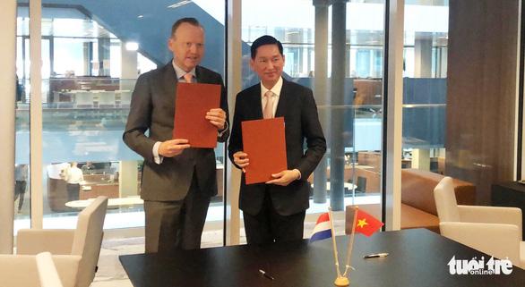 TP.HCM ký hợp tác chống ngập bền vững với Hà Lan - Ảnh 2.
