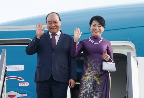 Thủ tướng Nguyễn Xuân Phúc tới Saint Petersburg, bắt đầu thăm LB Nga - Ảnh 1.
