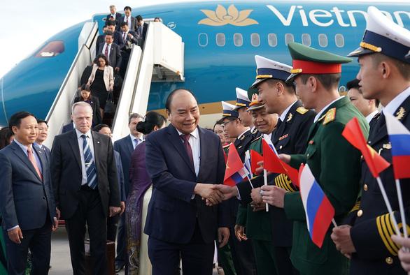 Thủ tướng Nguyễn Xuân Phúc tới Saint Petersburg, bắt đầu thăm LB Nga - Ảnh 2.