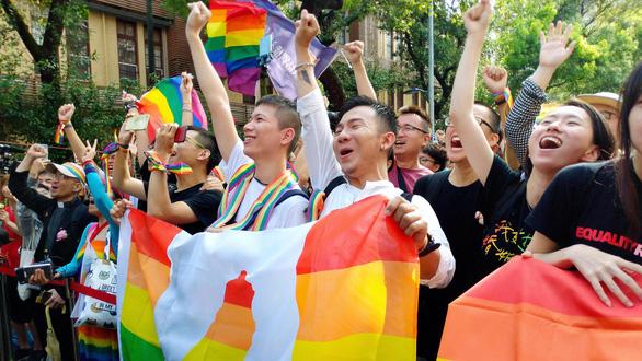 Đài Loan nổi cáu vì Trung Quốc tranh phần luật hôn nhân đồng giới - Ảnh 1.