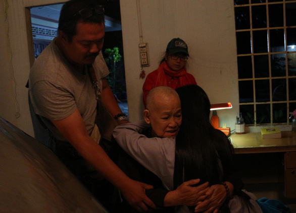 Nữ họa sĩ Đặng Ái Việt vào vai sư cô trong Sóng mồ côi - Ảnh 5.