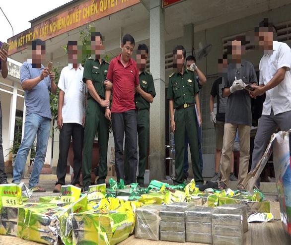 10 ngày bắt giữ gần 70kg ma túy từ Campuchia qua - Ảnh 1.