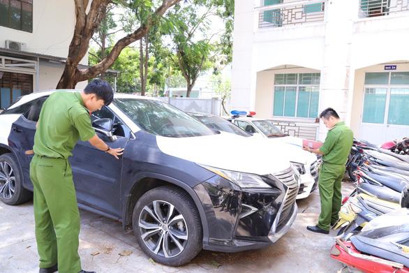 Chạy Mercedes từ Hà Nội vào Đà Nẵng nghi trộm xe Lexus - Ảnh 2.