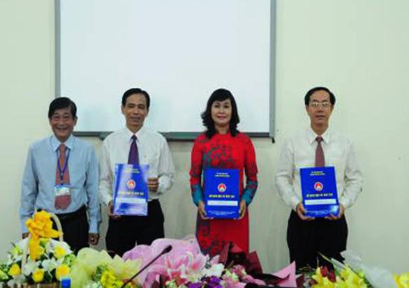 Hiệu trưởng Trường chuyên Lê Hồng Phong xin không làm tiếp sau khi hết nhiệm kỳ - Ảnh 1.