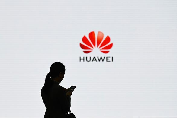 Huawei đã gây tội gì với Mỹ khiến ông Trump ra đòn chí mạng? - Ảnh 1.