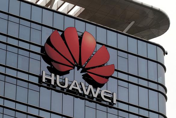 Mỹ quyết định nới lỏng rào cản với Huawei - Ảnh 1.
