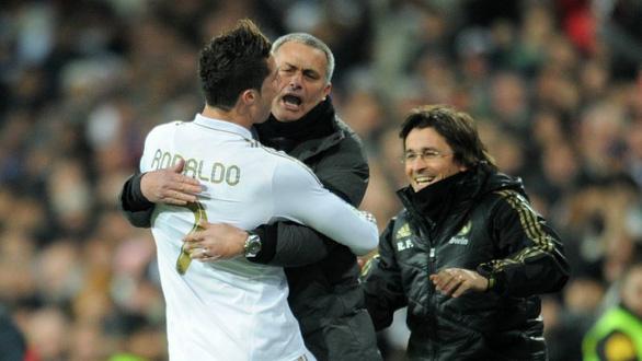 HLV Mourinho tiết lộ việc Ronaldo rủ ông sang Juventus - Ảnh 1.