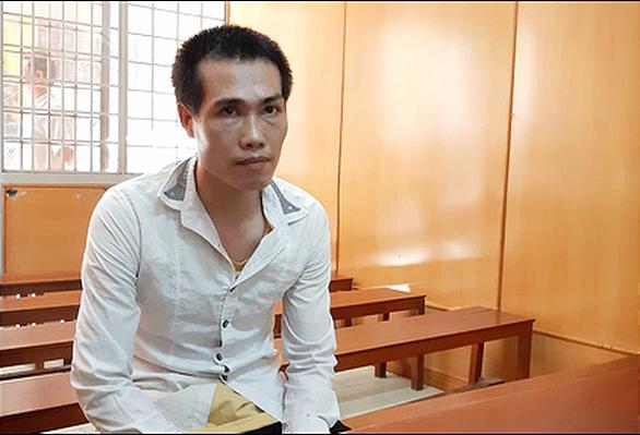 Tông bị thương khách ngoại quốc, tài xế taxi lãnh án tù - Ảnh 1.
