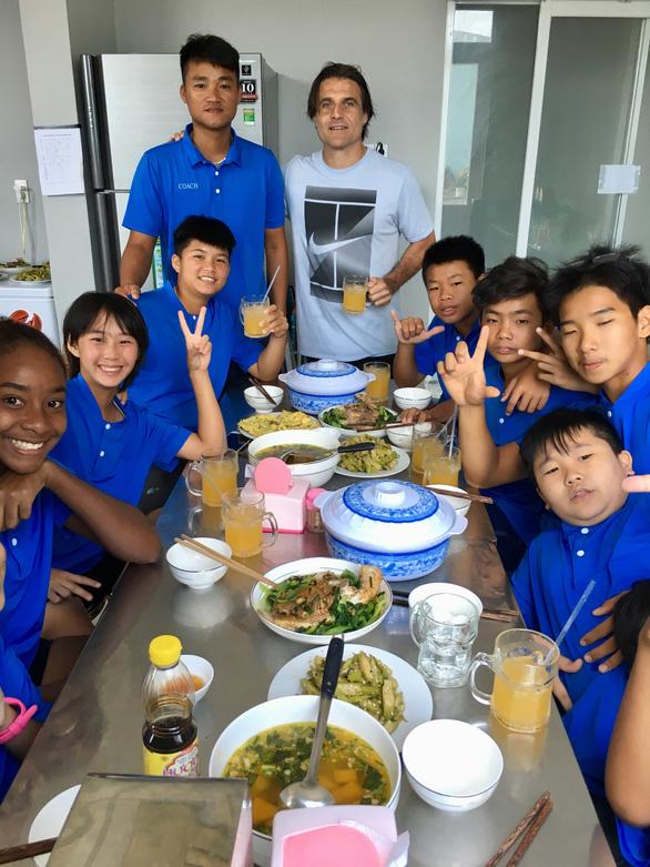 Quần vợt Việt Nam hưởng lợi từ xã hội hóa - Ảnh 2.