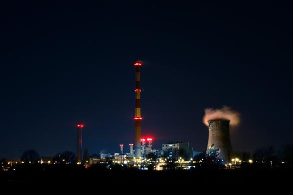 Mỹ xây nhà máy thu khí CO2 từ không khí - Ảnh 1.