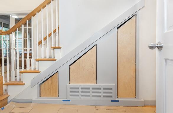 6 mẹo trữ đồ trong phòng khách từ chuyên gia thiết kế nội thất - Ảnh 6.