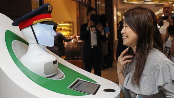 Nhật đưa robot hướng dẫn khách ở ga Tokyo - Ảnh 2.