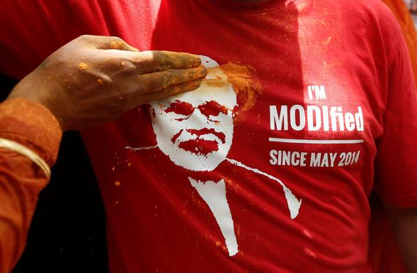 Cuộc bầu cử khổng lồ đã có kết quả: đảng của ông Modi thắng oanh liệt - Ảnh 1.