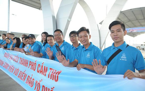 400 đại biểu tới Côn Đảo dự Sinh viên với biển đảo Tổ quốc - Ảnh 1.