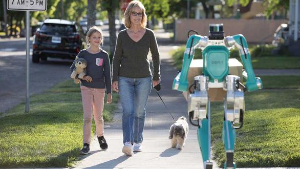 Khó tin: robot đi giao hàng hệt như người - Ảnh 2.