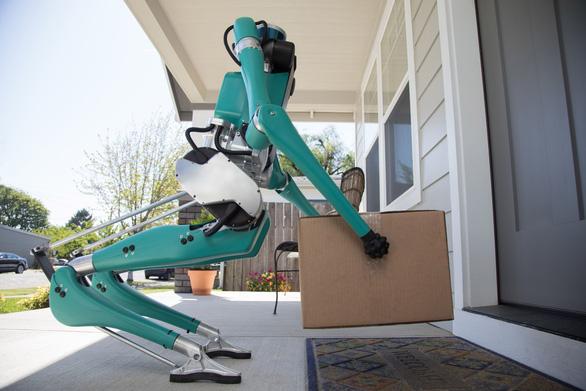 Khó tin: robot đi giao hàng hệt như người - Ảnh 4.