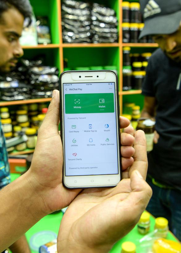 Thất thoát ngoại tệ vì ví điện tử Alipay và WeChat của Trung Quốc, Nepal cấm tiệt - Ảnh 1.