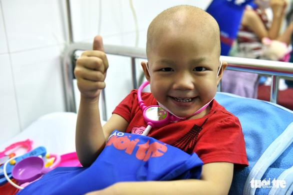 Tết thiếu nhi đến sớm với bệnh nhi Bệnh viện Nhi Đồng 2 - Ảnh 6.