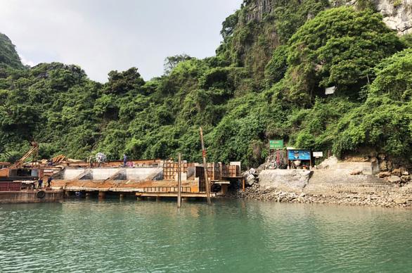 Dừng công trình trên vịnh Hạ Long, chờ đánh giá tác động môi trường - Ảnh 1.