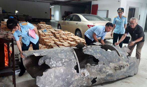 Đi đánh cá, ngư dân Quảng Ninh bắt được vật thể lạ - Ảnh 2.