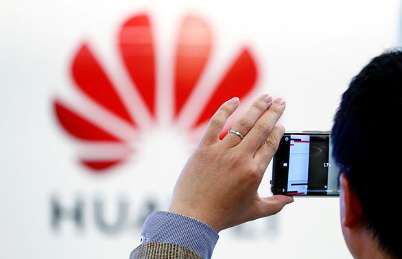Đến lượt Microsoft đá Huawei khỏi dịch vụ đám mây - Ảnh 1.
