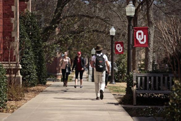 Đại học Oklahoma bị phanh phui gian dối suốt 20 năm để vào top 100 - Ảnh 1.