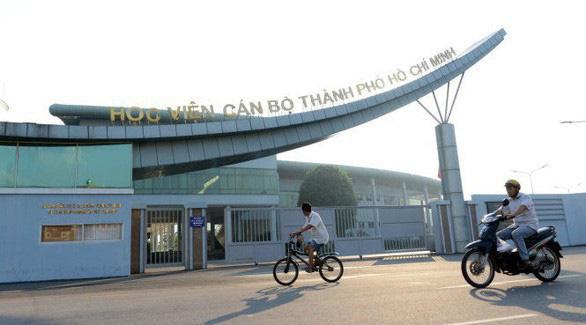 Phê bình 3 lãnh đạo Học viện Cán bộ TP.HCM tổ chức đấu thầu - Ảnh 1.