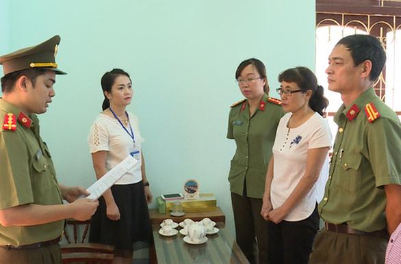 Gian lận thi cử tại Sơn La: Phó giám đốc khai được giám đốc sở 'nhờ vả' - Ảnh 2.