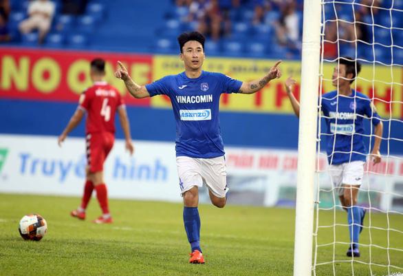 Thua Than Quảng Ninh 0-2, B.Bình Dương than do quá mệt - Ảnh 1.