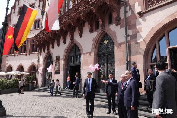 TP.HCM và Frankfurt ký ghi nhớ hữu nghị và hợp tác - Ảnh 2.