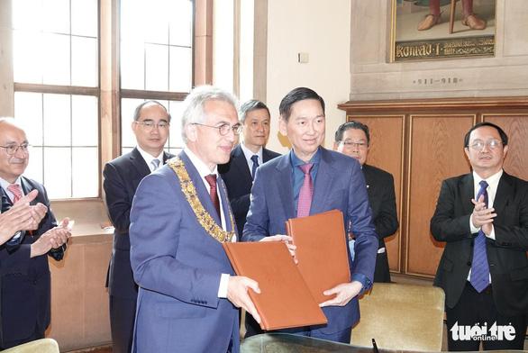 TP.HCM và Frankfurt ký ghi nhớ hữu nghị và hợp tác - Ảnh 3.