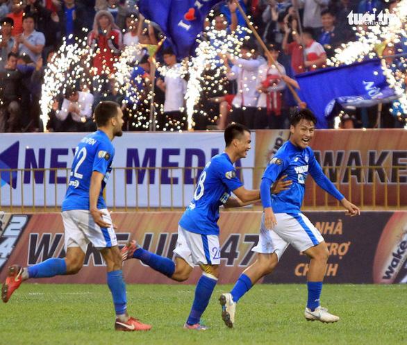 Vòng 11 V-League 2019: Cơ hội trở lại tuyển VN cho Mạc Hồng Quân - Ảnh 1.