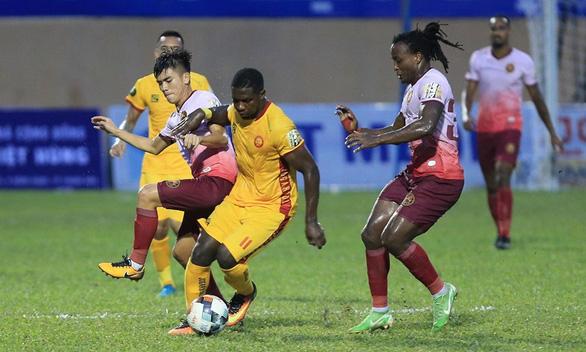 Thanh Hóa thắng trận thứ ba liên tiếp trên sân nhà - Ảnh 1.