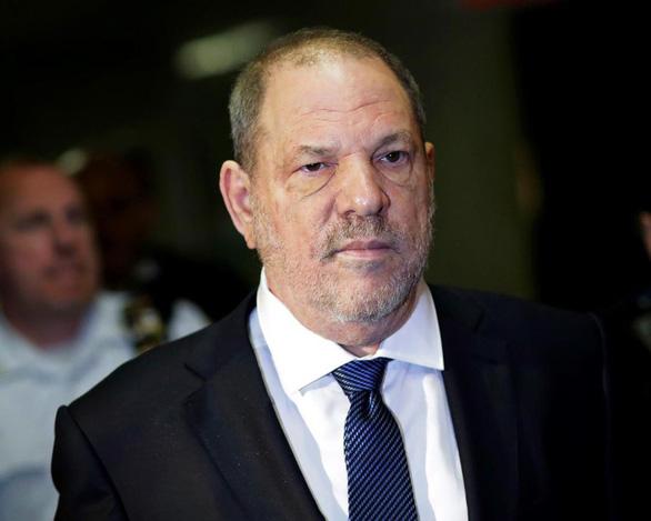 Ông trùm Weinstein muốn dàn xếp bê bối tình dục với 44 triệu USD - Ảnh 1.