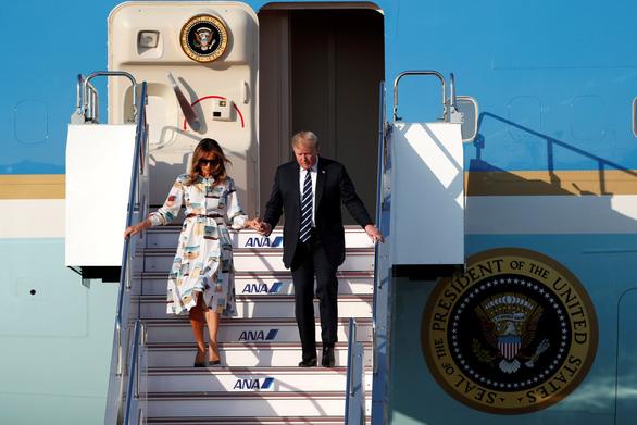 Ông Trump đến Nhật bàn về thương mại, Triều Tiên - Ảnh 1.