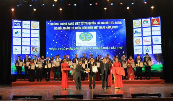 Hoàng Quân Cần Thơ liên tiếp nhận giải thưởng về thương hiệu Việt - Ảnh 2.