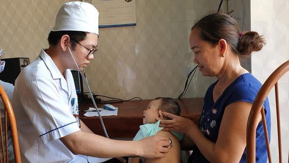Hà Nội: chưa tiêm chủng đủ sẽ tiêm bù tại trường - Ảnh 1.