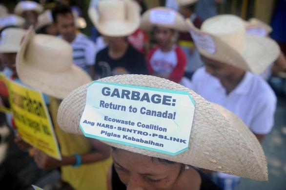 Philippines hạ quan hệ ngoại giao, buộc Canada nhận lại rác - Ảnh 1.