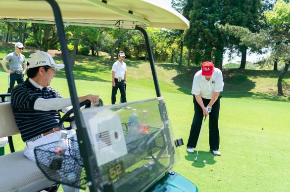 Ảnh tươi cười của lãnh đạo Mỹ - Nhật được yêu thích - Ảnh 3.