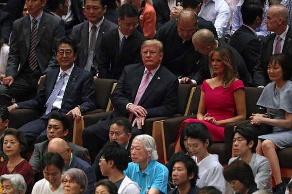 Ông Trump đi coi đấu sumo - ác mộng của mật vụ Mỹ - Ảnh 3.