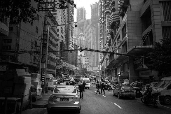 Bong bóng bất động sản và phồn vinh giả tạo ở Trung Quốc - Ảnh 1.