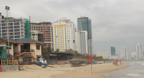 Các khách sạn ven biển Đà Nẵng bị cảnh báo về xả thải - Ảnh 1.